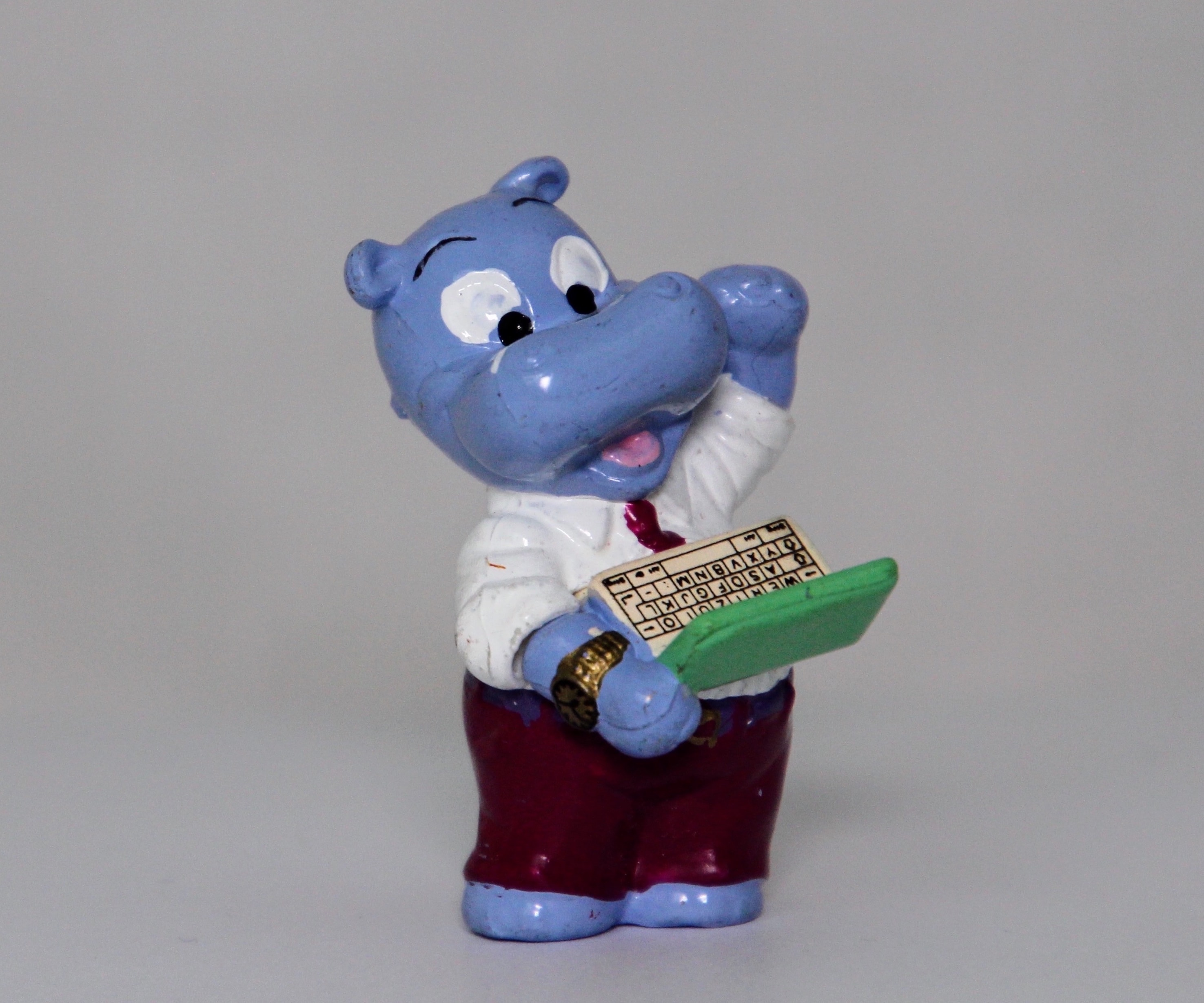 Hippo cropped computer-nerd-2017653 copy